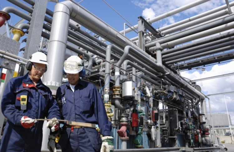 Petroleum companies should ensure their staff have proper ventilation to protect against toxic fumes.